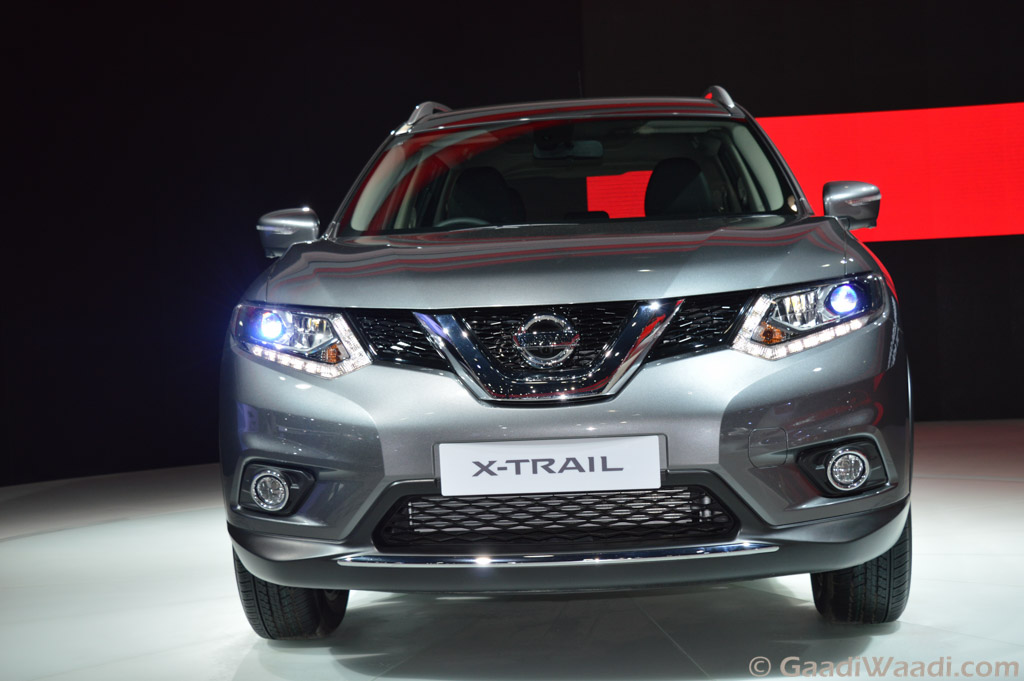 nissan x trail hybrid showcased in india at 2016 delhi auto expo car news. Black Bedroom Furniture Sets. Home Design Ideas