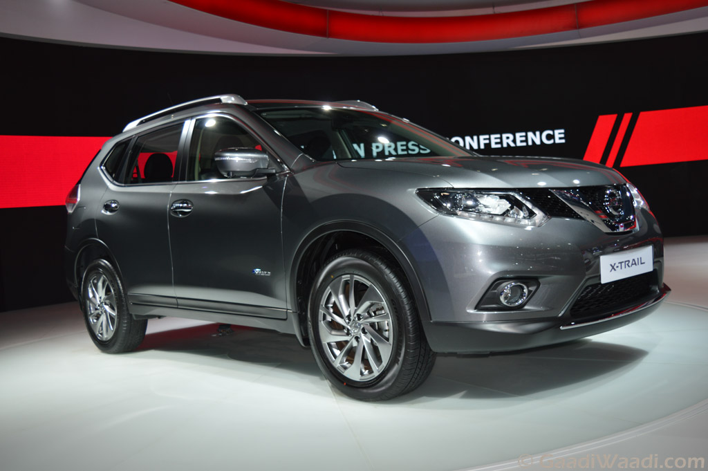 nissan x trail hybrid showcased in india at 2016 delhi auto expo. Black Bedroom Furniture Sets. Home Design Ideas