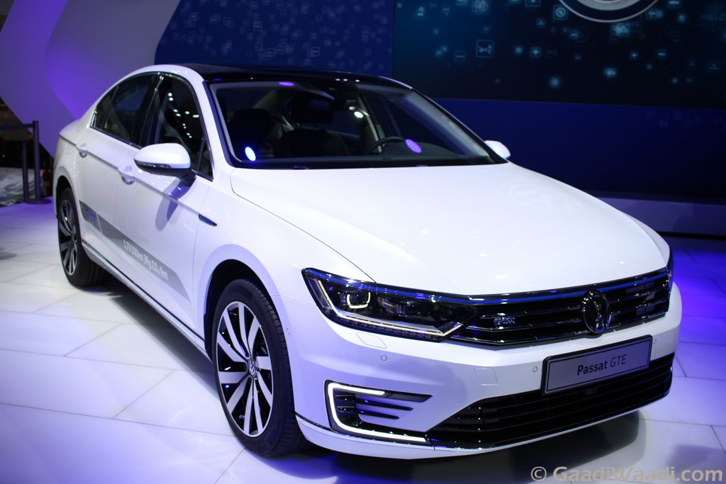 volkswagen passat gte unveiled at 2016 delhi auto expo launch later this year. Black Bedroom Furniture Sets. Home Design Ideas