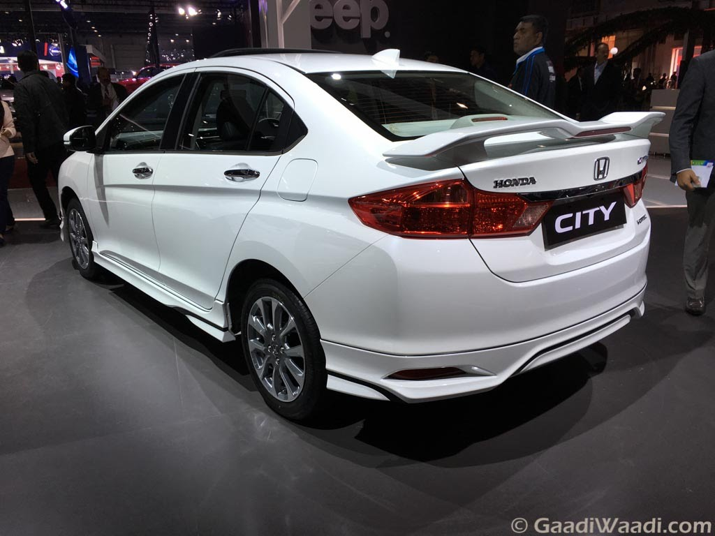 Honda Brio White Colour >> 2016 Honda City Walkaround Video From Auto Expo