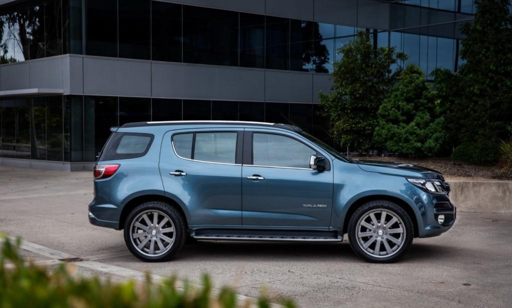 2016-Chevrolet-TrailBlazer-facelift-side-view