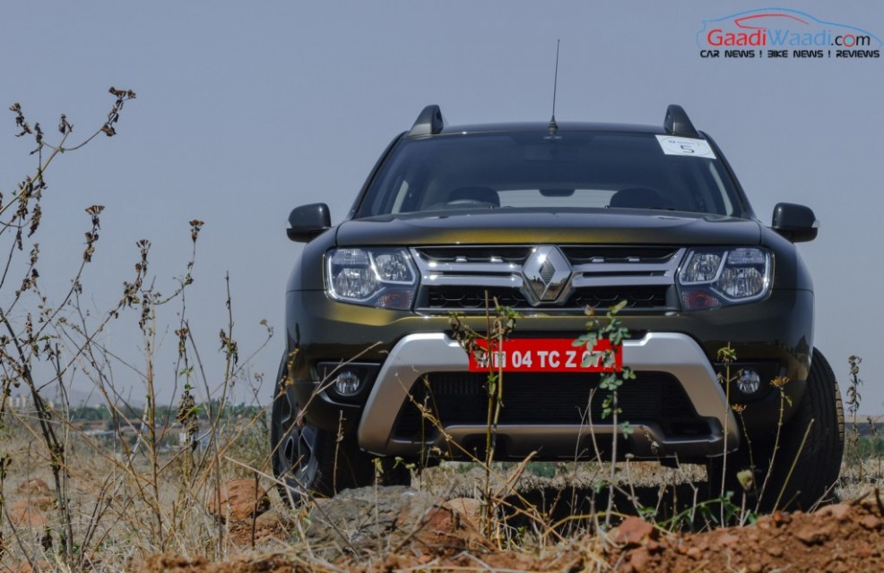 renault duster 2016 front view