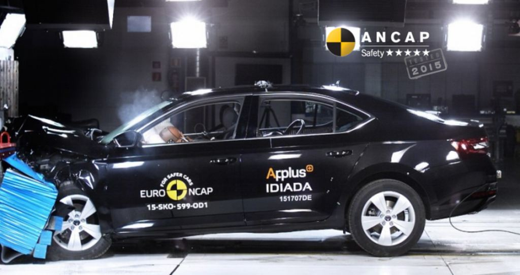 2016-Skoda-Superb-ANCAP-crash-test