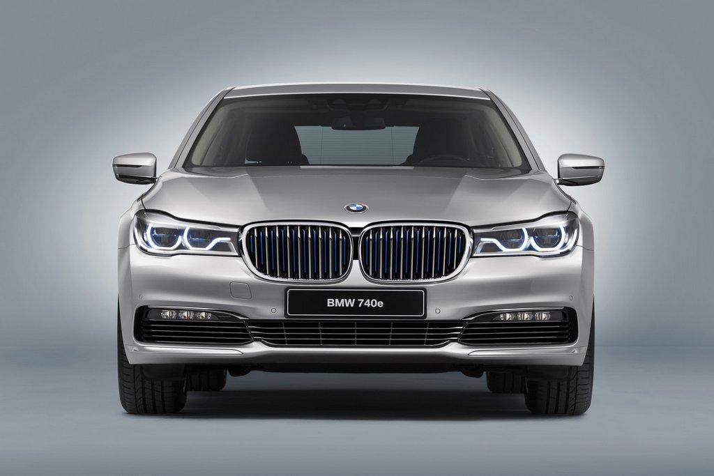 BMW iPerformance 740e model 5