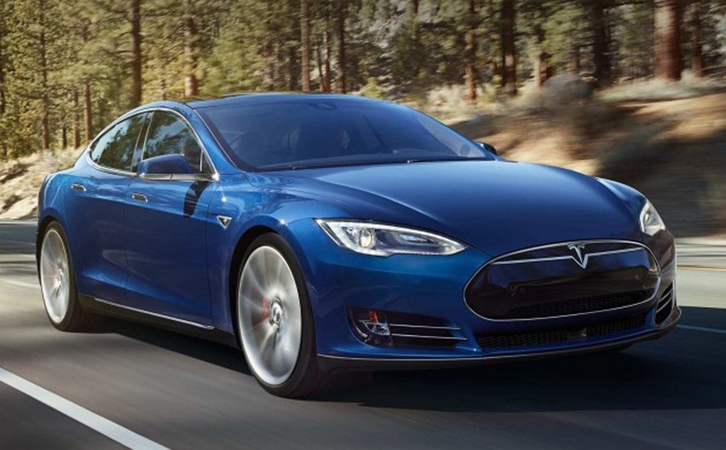 tesla model s p90d v qantas boeing 737 800 drag race video