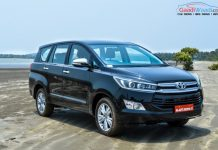 Toyota Innova Crysta black wallpaper 5