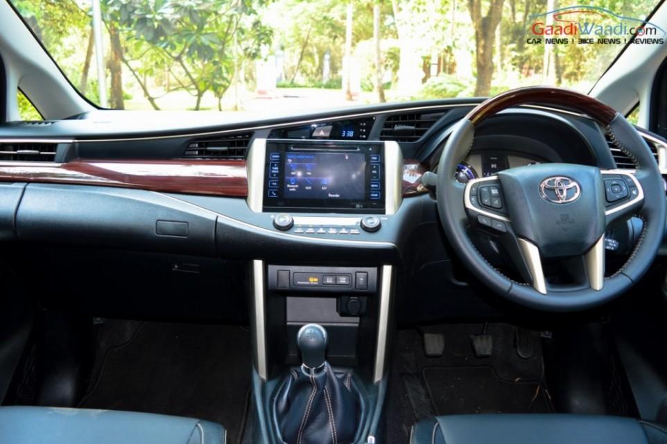 Toyota Innova Crysta dashboard