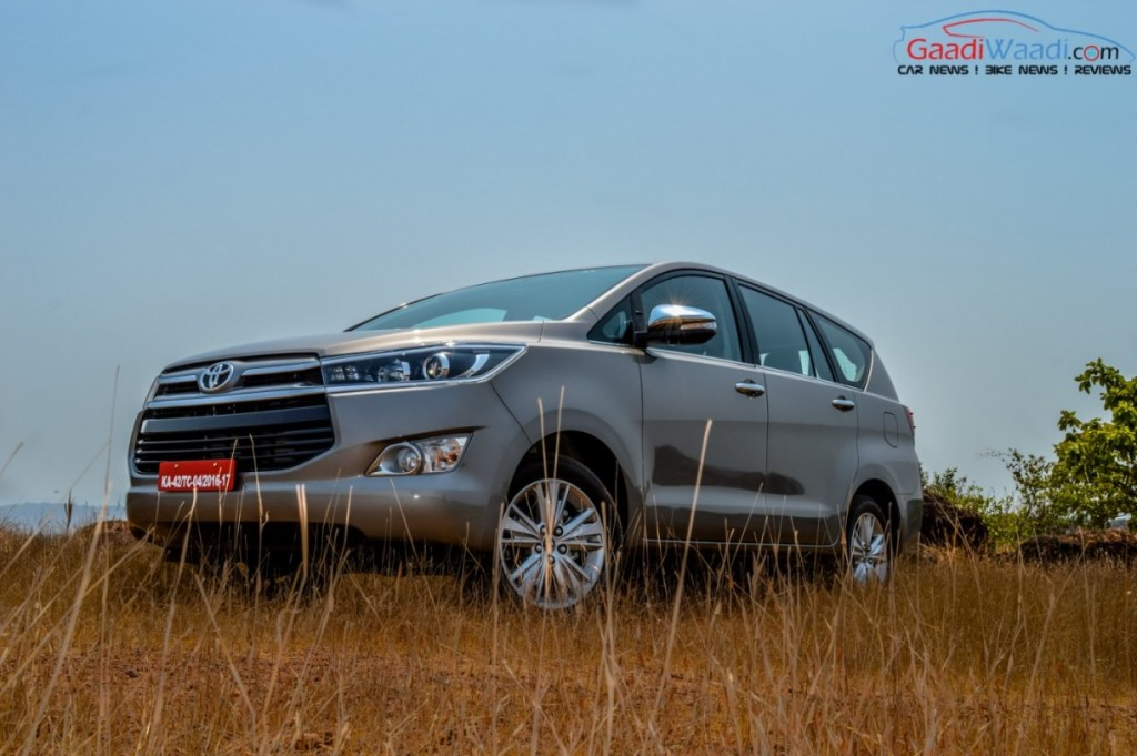 Toyota Innova Crysta wallpaper-6