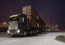 Volvo Truck Pulls 750 Ton 5