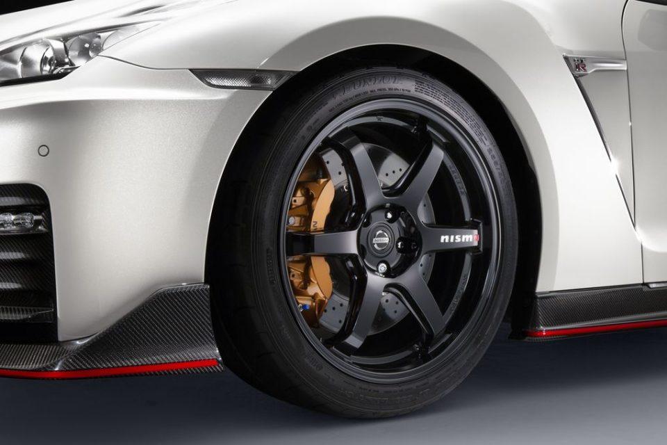 2017 Nissan GT-R Nismo alloy wheels