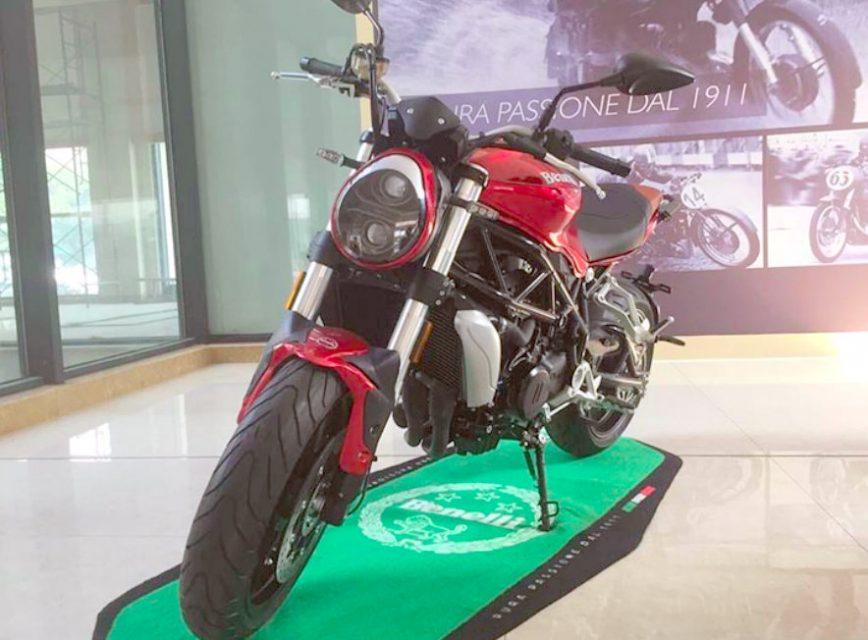 Benelli TNT750 Naked Sportsbike 2