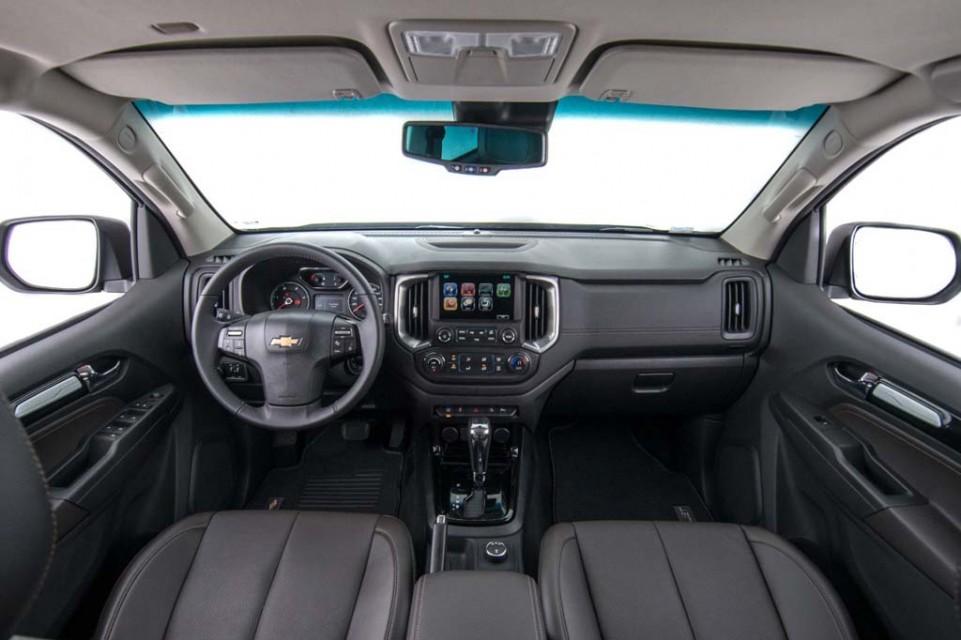 Chevrolet-Trailblazer-Facelift-Interior.jpg