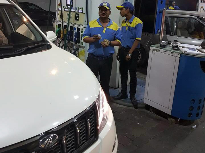 Common Man's Fuel Filling Compliant Goes Viral On Social Media