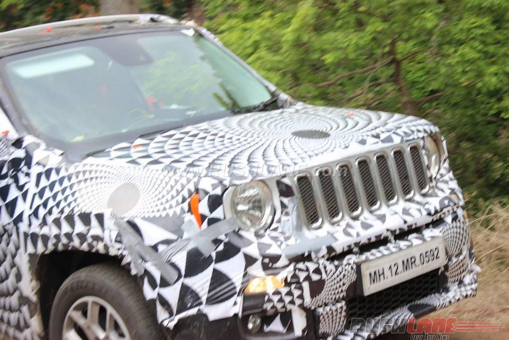 Jeep Renegade Spied Testing with Skoda Yeti 1