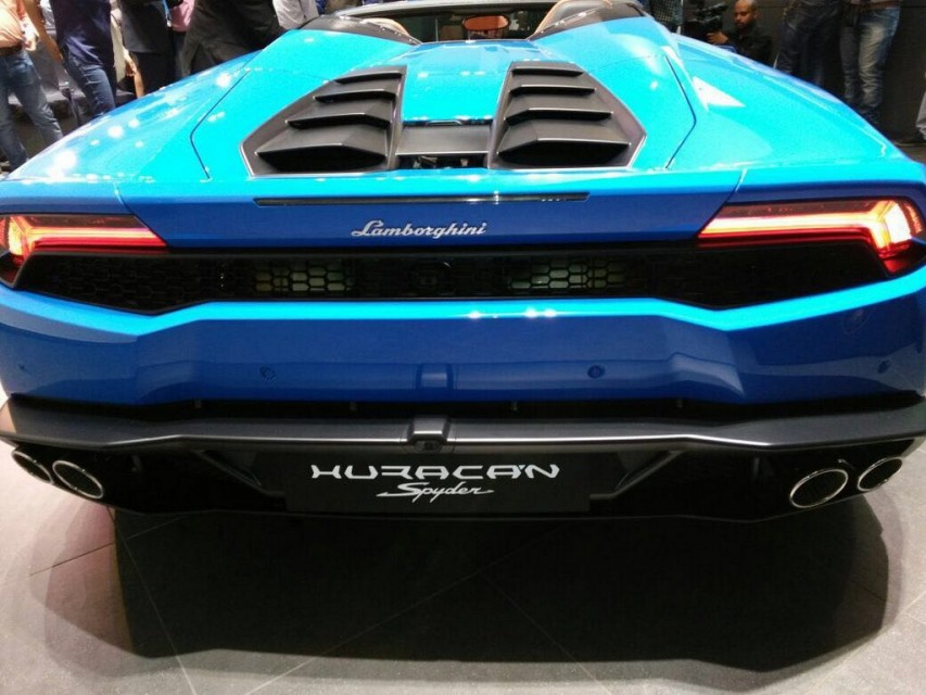 lamborghini huracan spyder lp 610 4 launched in india for rs crore ga. Black Bedroom Furniture Sets. Home Design Ideas
