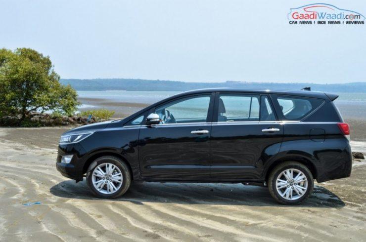 Toyota Innova Crysta black pics side