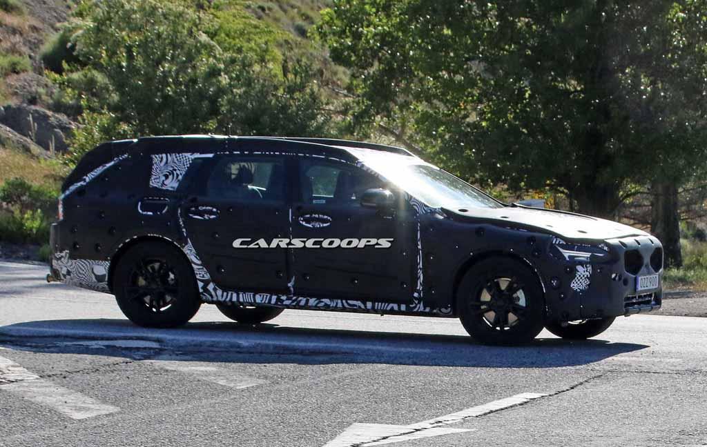2018-Volvo-V90-Cross-Country-Spyshot-1.jpg