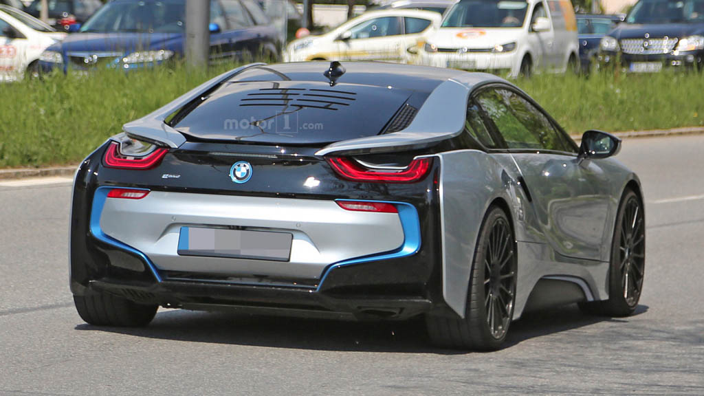 Bmw I8 With More Powerful Engine In The Works Gaadiwaadi Com