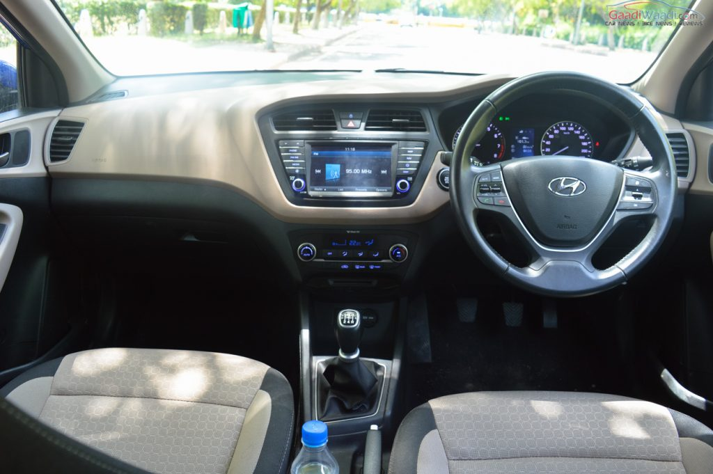 Hyundai elite i20 vs active i20 specs design comparison - Hyundai i20 interior ...
