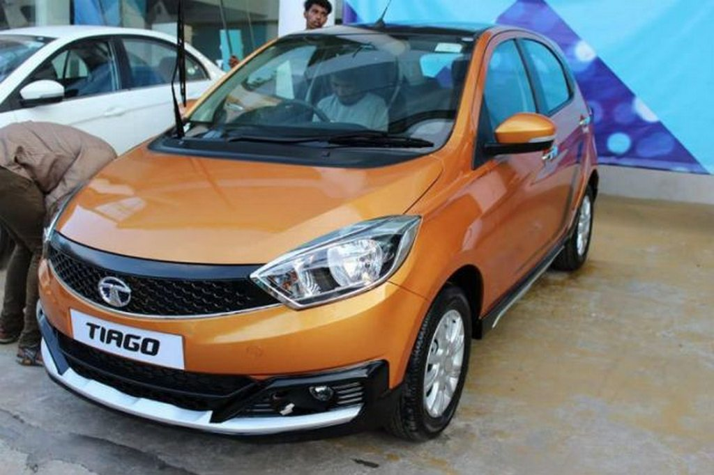 Tata Tiago Aktiv Spied At Dealership Ahead Of Launch 1