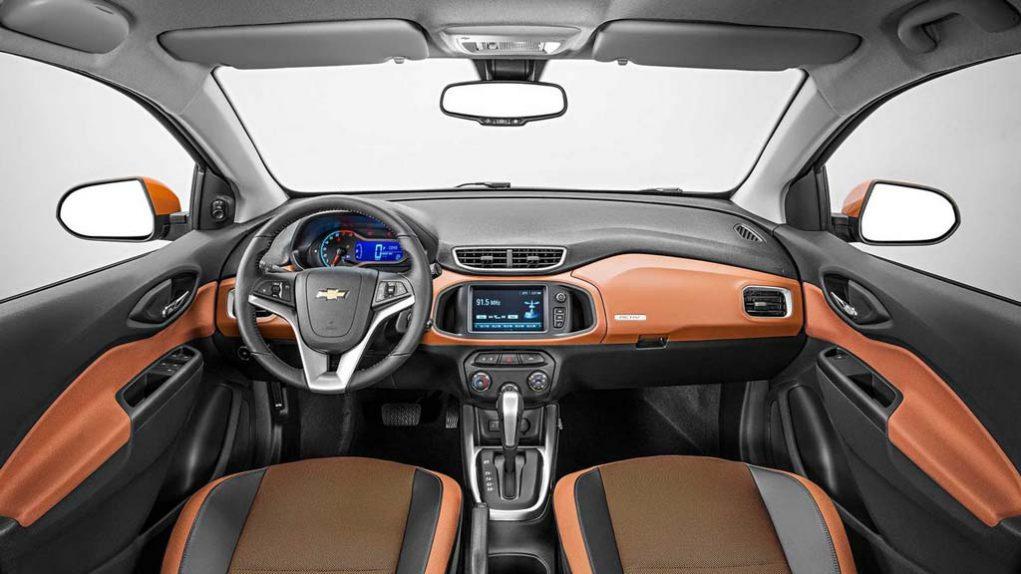 2017-Chevrolet-Onix-Activ-1.jpg