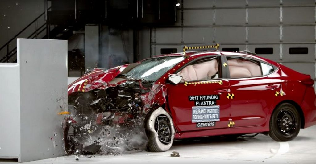 Hyundai Elantra IIHS Crash Test 2
