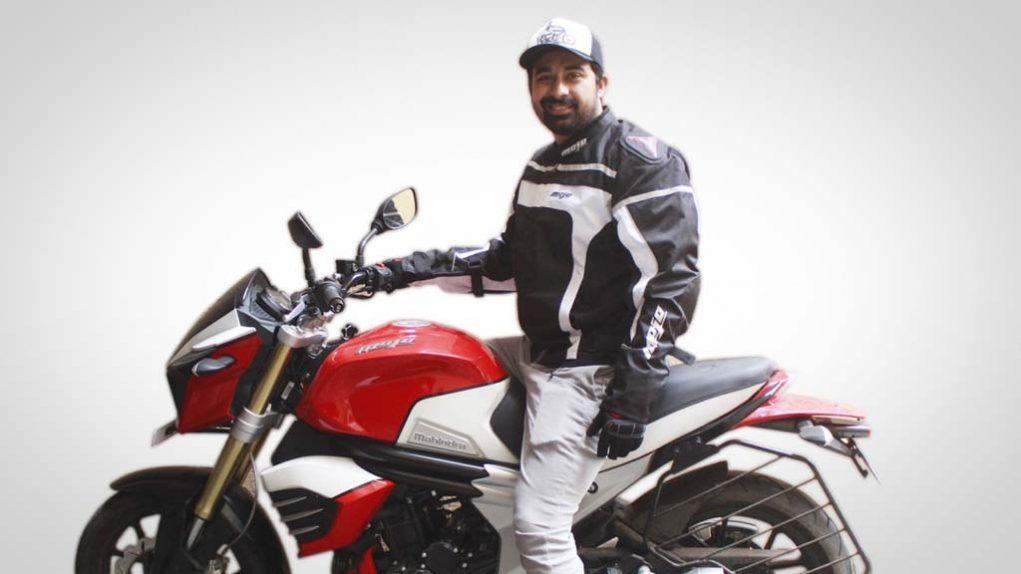 Rannvijay-Singh-Mahindra-Mojo-2.jpg