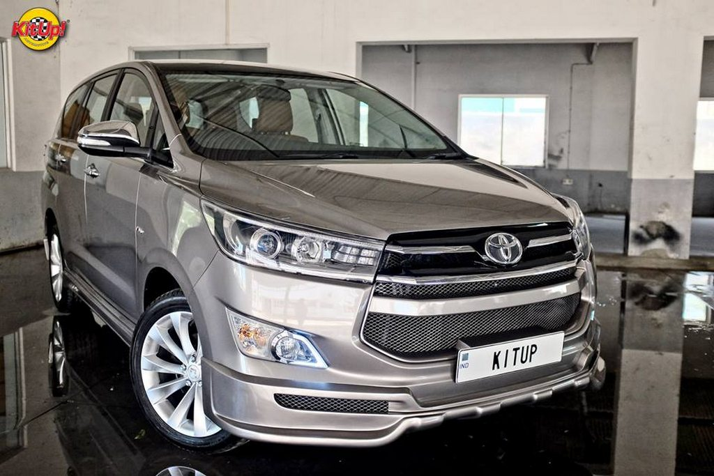 Customised Innova Crysta is All-Glossy and Sporty
