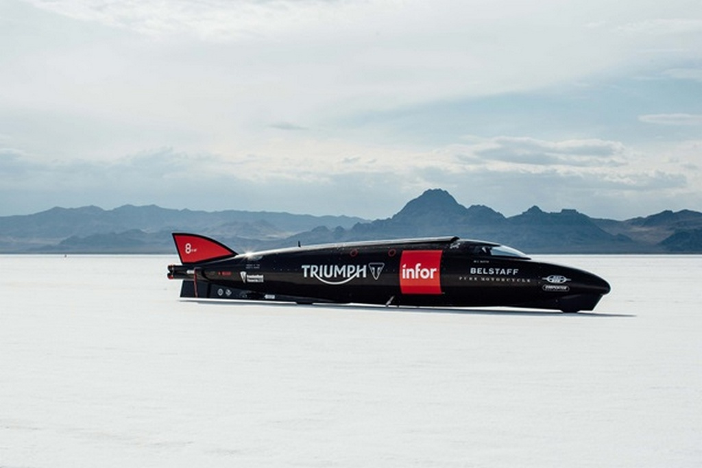 Guy Martin Breaks New Triumph Land Speed Record