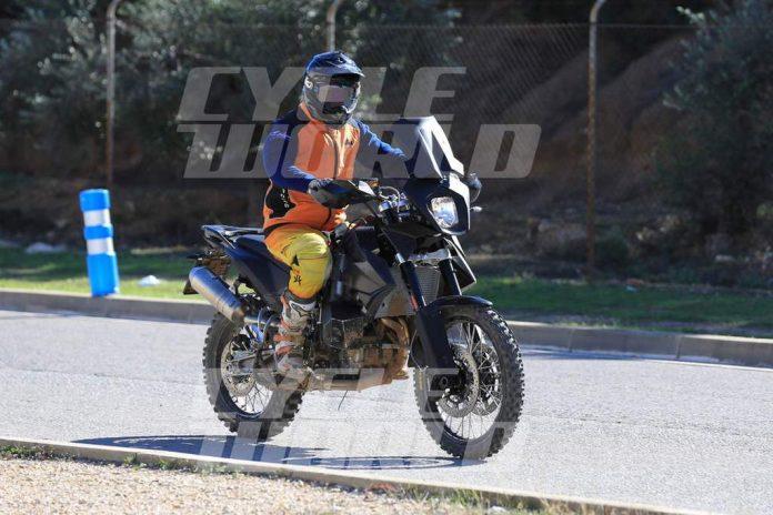 KTM 800 Adventure Spied