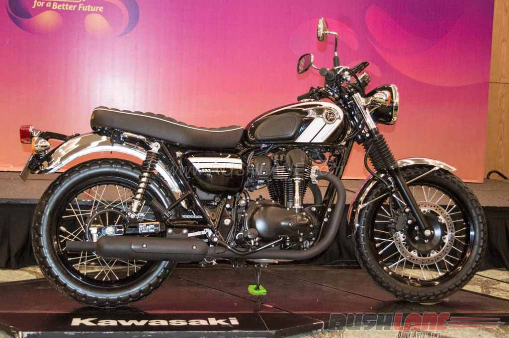 retro looking kawasaki w800 launched at giias 2016 latest car news bikes. Black Bedroom Furniture Sets. Home Design Ideas