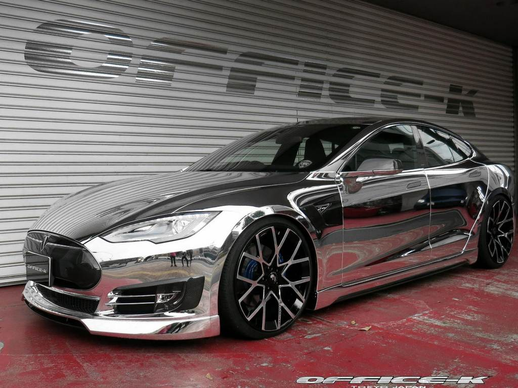 modified tesla model s punches above its weight. Black Bedroom Furniture Sets. Home Design Ideas