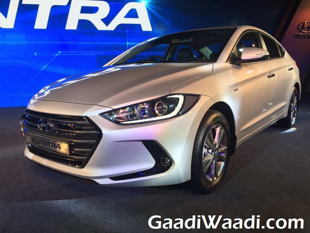 New Hyundai Elantra launched in India (10)