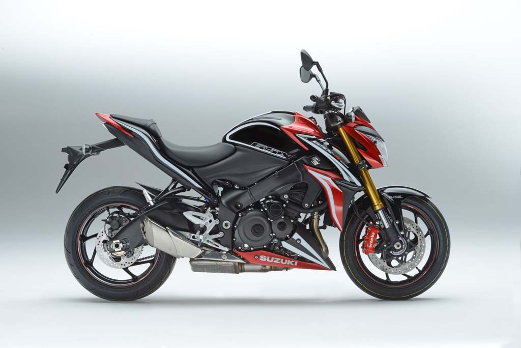 suzuki reveals gsx s1000 carbon and gsx s1000f tour. Black Bedroom Furniture Sets. Home Design Ideas