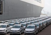 Demonetisation hit auto industry reduces production