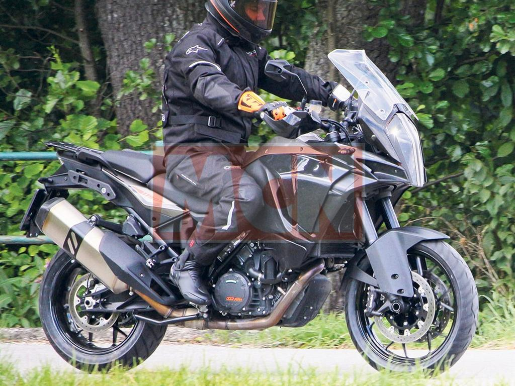 2017 ktm 1190 adventure caught testing. Black Bedroom Furniture Sets. Home Design Ideas
