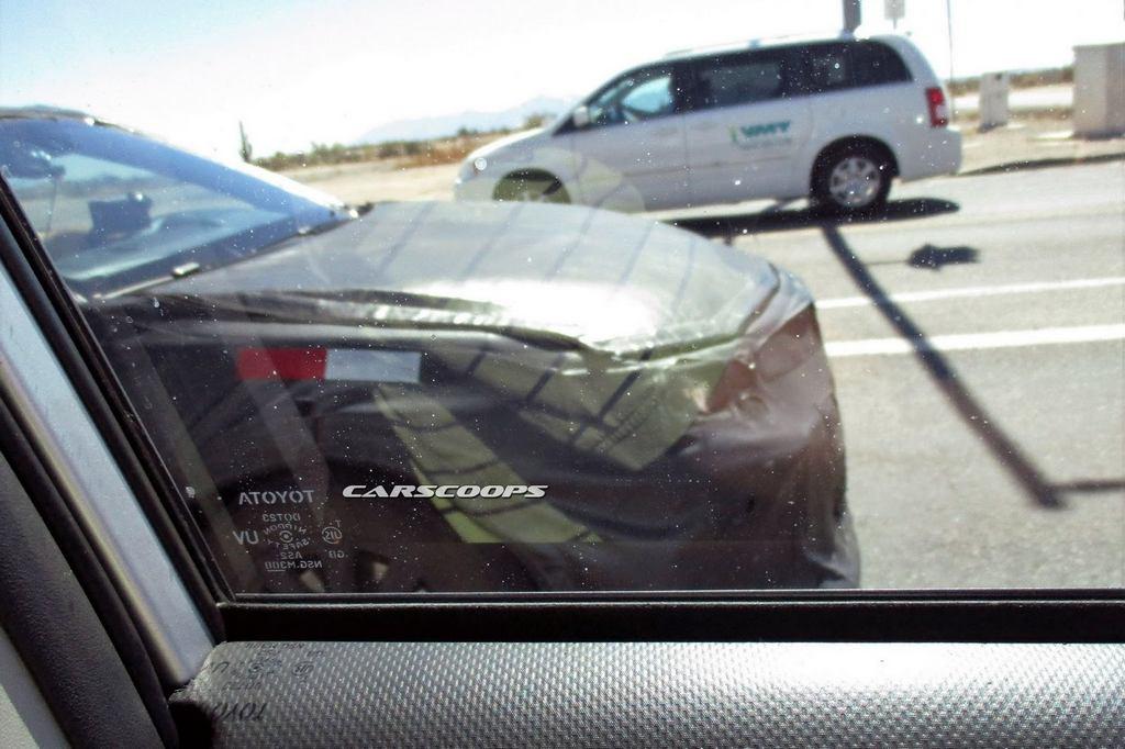2018-Toyota-Camry-5