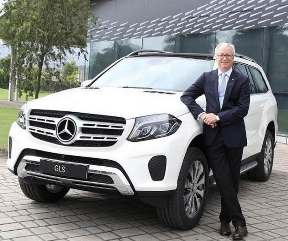 Mercedes-Benz GLS 400 4Matic Petrol 1