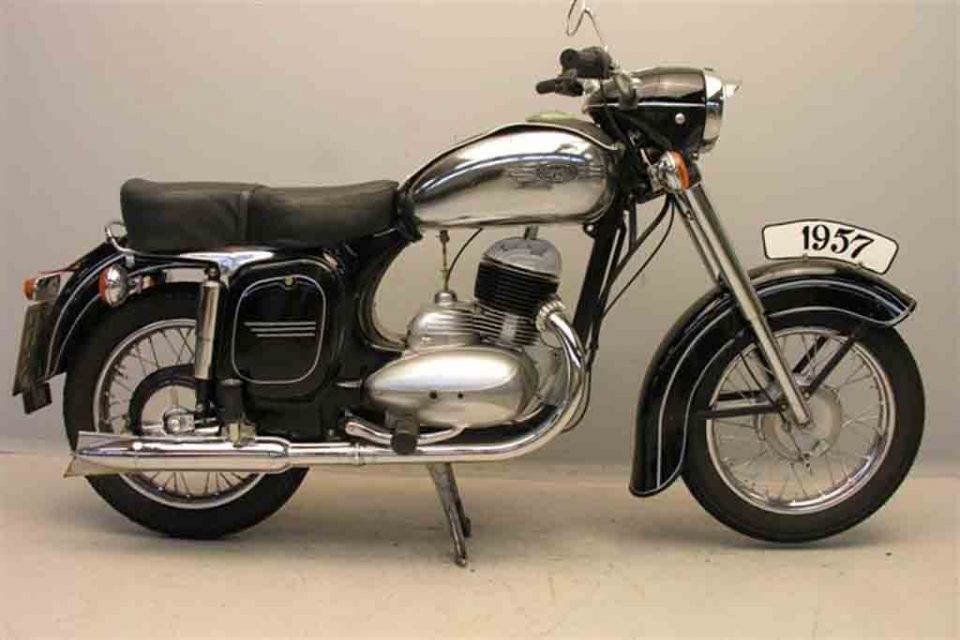 Jawa_353_250_cc_1958.jpg