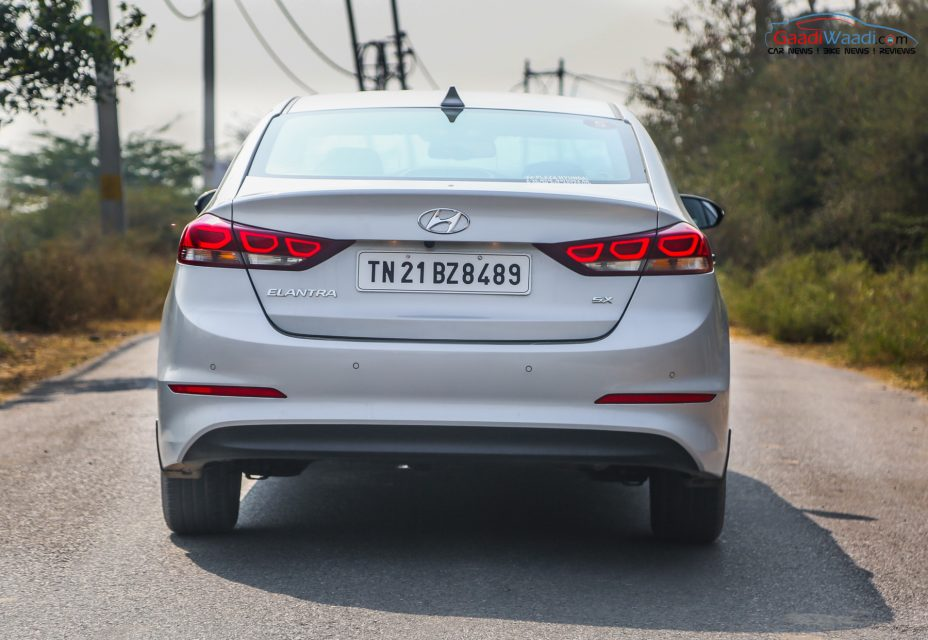 2016 Hyundai Elantra Review Road test-10