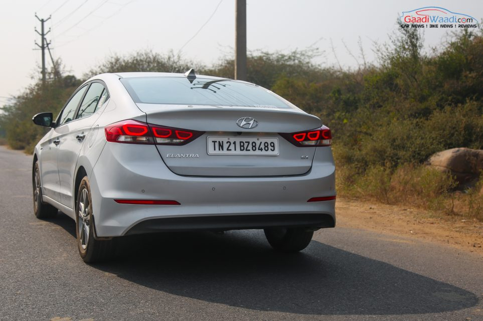 2016 Hyundai Elantra Review Road test-3