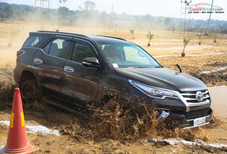 2016 toyota fortuner 4x4 offroad-6