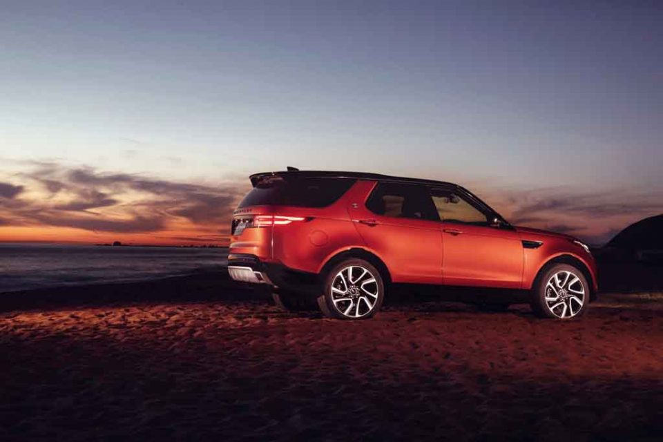 2017-Land-Rover-Discovery-Dynamic-Design-Pack-1.jpg