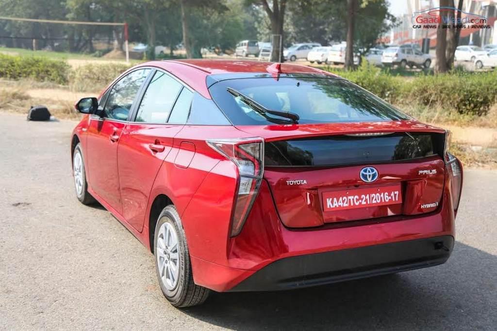 2017 Toyota Prius India Launch Engine Specs Price