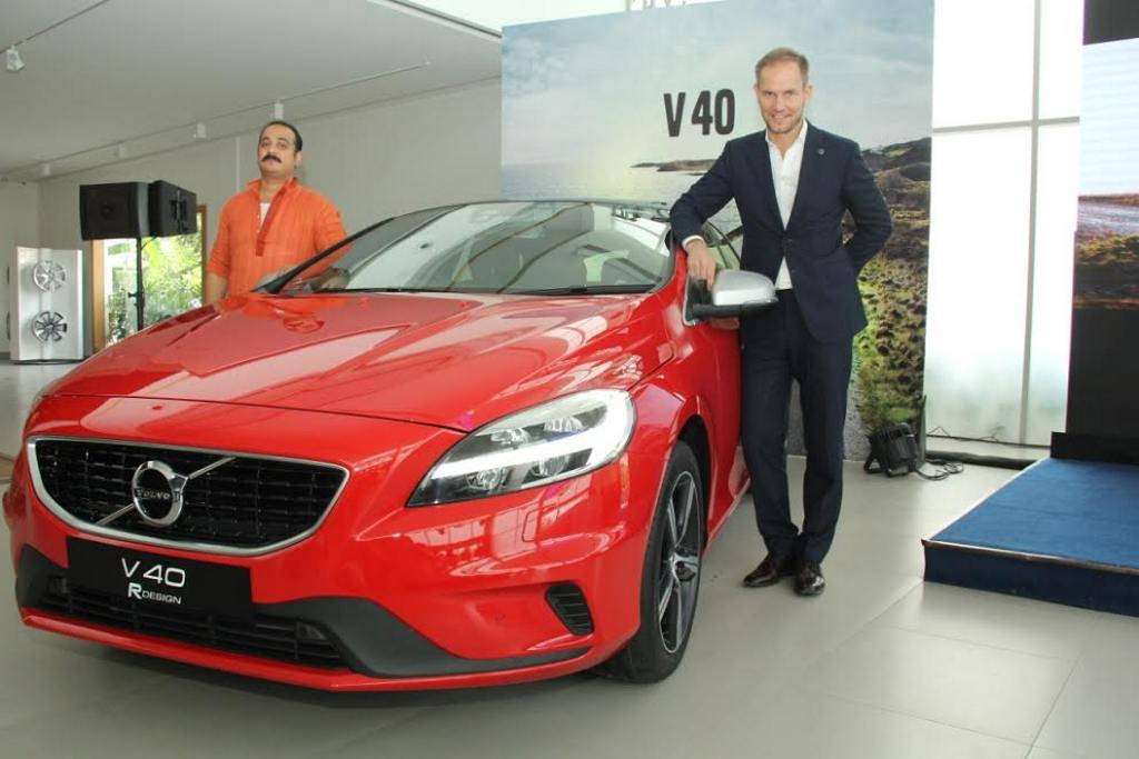 2017 Volvo V40 R-Design India Launch