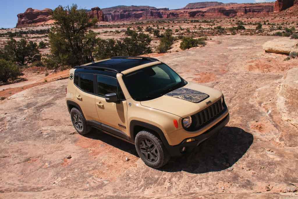 Jeep-Renegade-Deserthawk.jpg