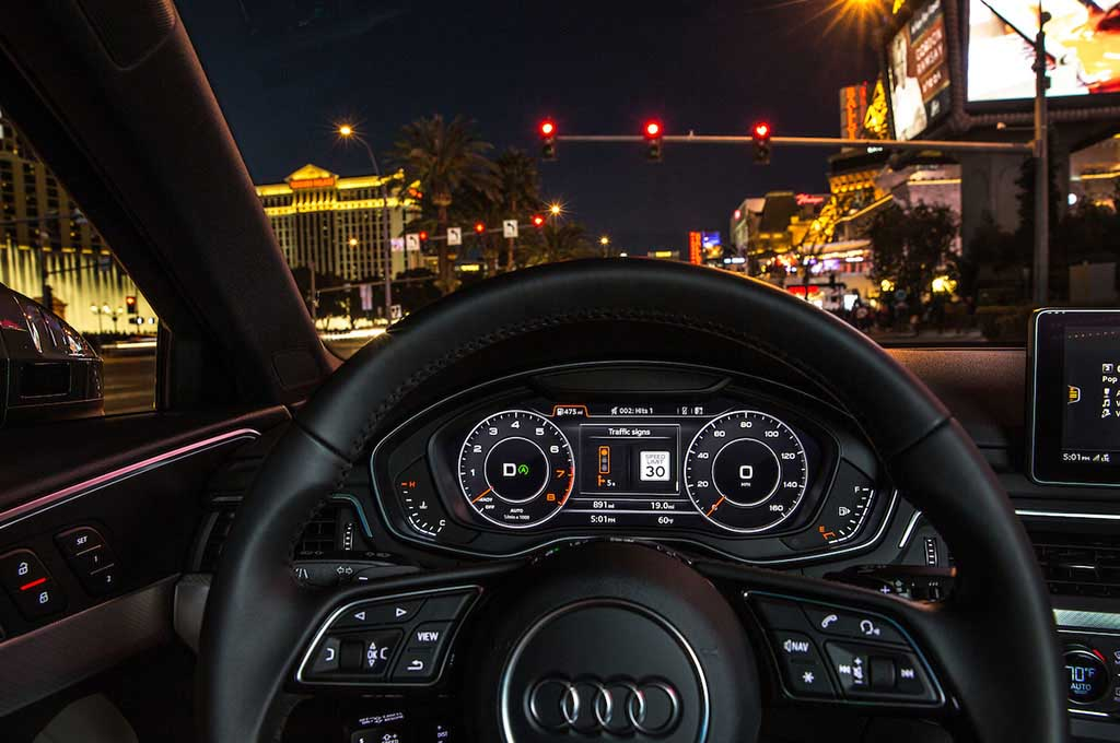 Audi-Traffic-Light-Information-system-dash-2.jpg
