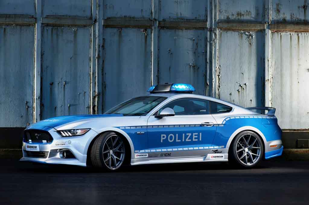 ford mustang gt transformed into german police car. Black Bedroom Furniture Sets. Home Design Ideas