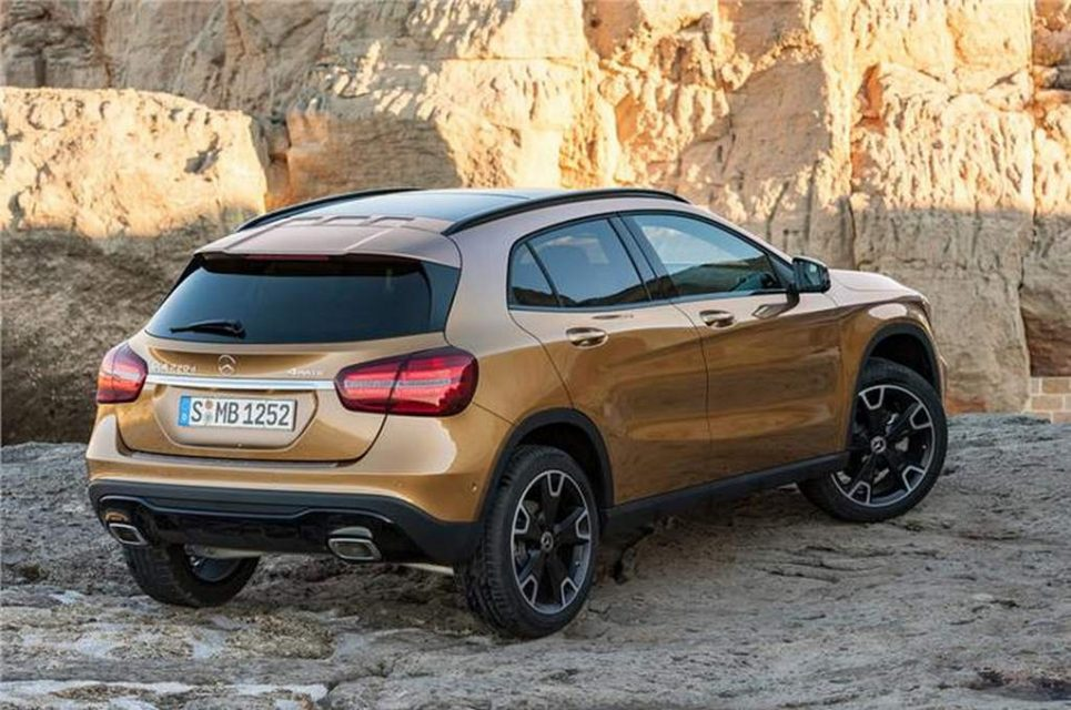 2017 Mercedes GLA Facelift India 1
