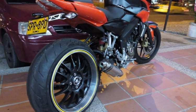 Custom Bajaj Pulsar NS200 with BMW S1000RR's Rear Tyre